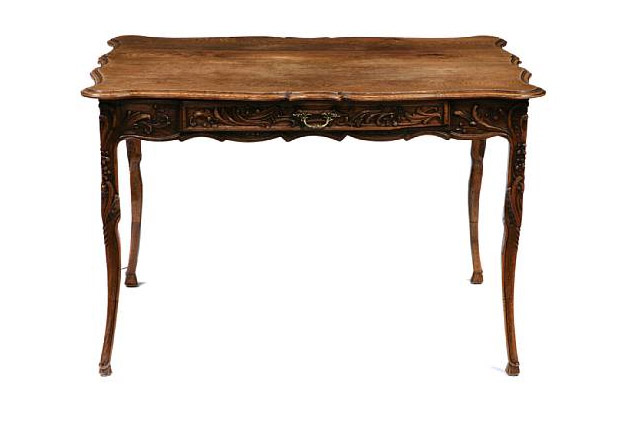 Second half of the 18th century louis xv carved oak center for Table th center