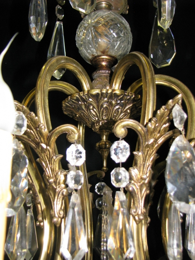 CH93 French cut crystal and gilt bronze 6 light chandelier (8)
