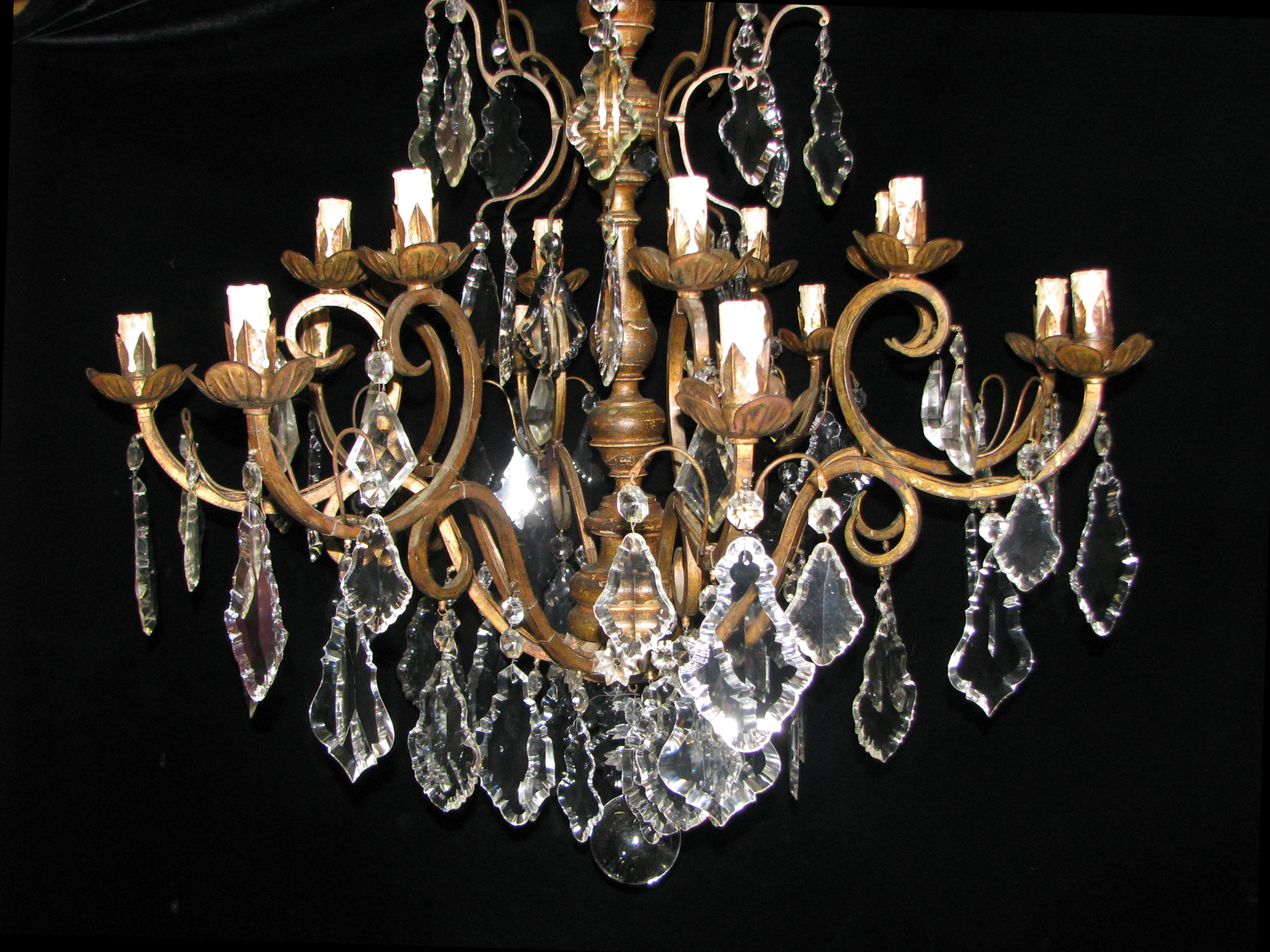Ch96 antique italian cut crystal and carved giltwood 10 light ch96 arubaitofo Images