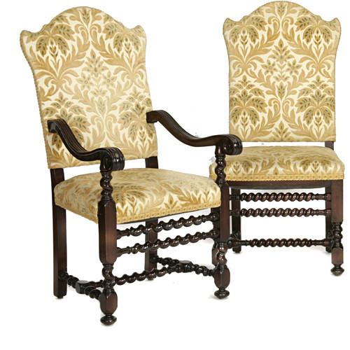 Impressive Eight Italian Baroque style dining chairs with spiral stretchers E20thC (1)