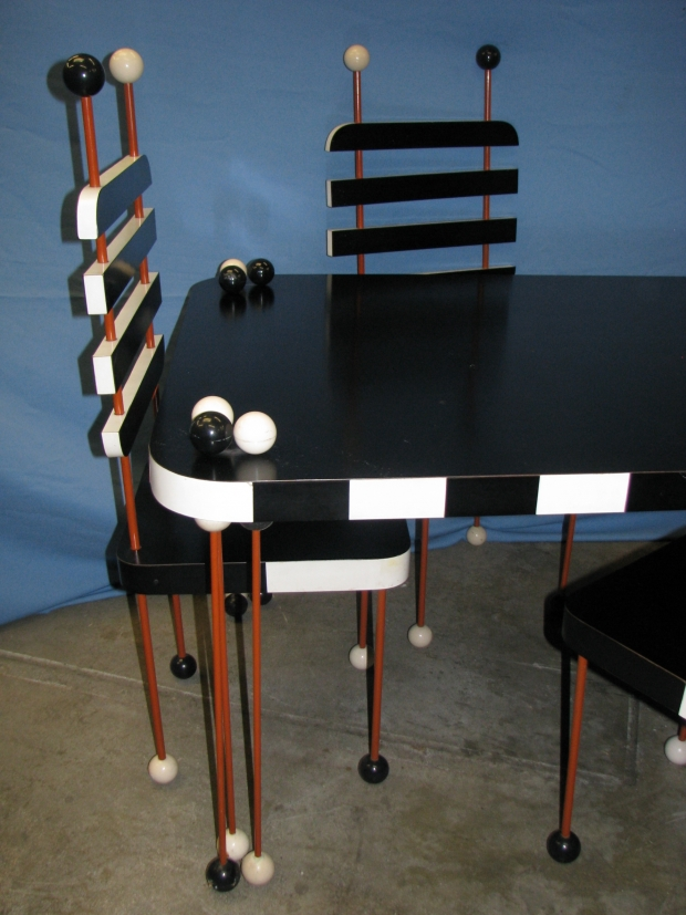 deco-table-with-4-chairs-1