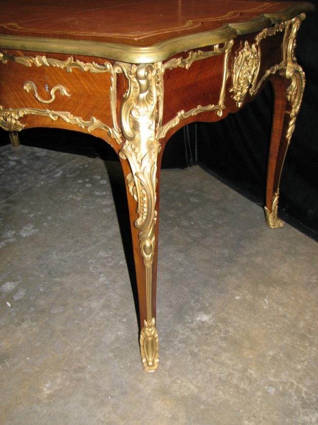 Fine and unusual 19c French louis XV style ormolu mounted kingwood partners  bureau plat (8)