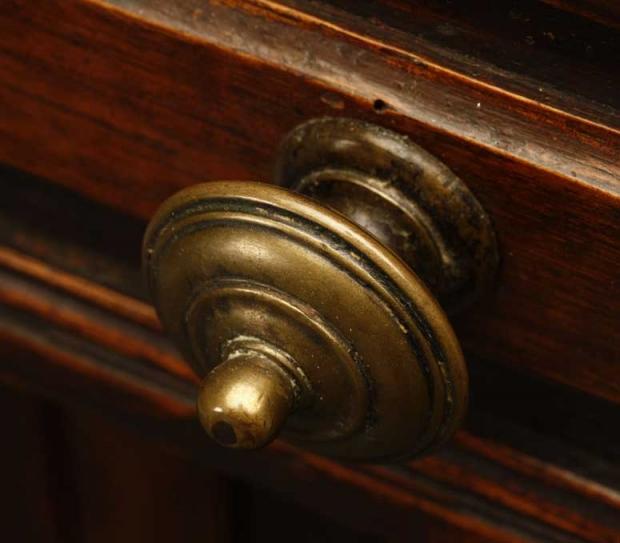 Italian Baroque Style Walnut Crendenza with cornacopia carving on doors (2)